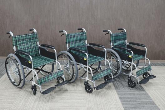 貸出用車いすが新しくなりました。