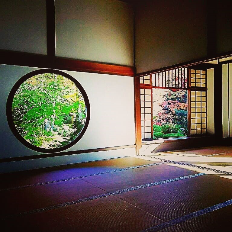 心の窓と紅葉 -源光庵-